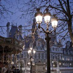 Lights - Hôtel de ville Paris by Remy Carteret on Flickr.