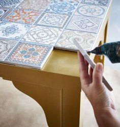 Create an easy DIY mosaic tile tabletop following the tutorial /istandarddesign/