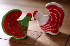 Malina's egg cosies by .min., via Flickr Crochet Kitchen, Crochet Home, Crochet Crafts, Yarn Crafts, Crochet Projects, Crochet Birds, Easter Crochet, Thread Crochet, Knit Crochet