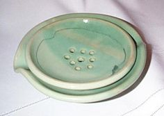 Wheelthrown Pale green soap dish by ElizabethsClay on Etsy Craftsman Cottage, Green Soap, Farms, Dish, Plastic, Tableware, House, Homesteads, Dinnerware