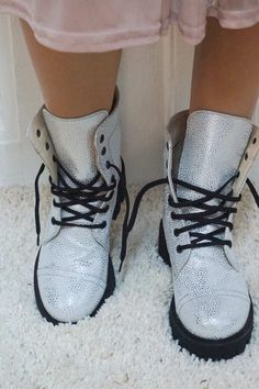 Yeezy Boost, Adidas Sneakers, Boots, Handmade, Fashion, Crotch Boots, Moda, Hand Made, Fashion Styles