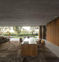 Casa P / Studio MK27 - Marcio Kogan + Lair Reis #living #homeoffice #lighting