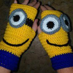 Minions fingerless gloves