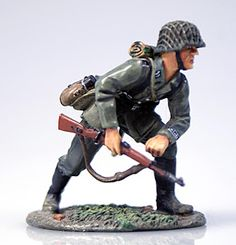 News From the Front: The Michigan Toy Soldier Blog: FIGURE OF THE WEEK #34: Old Northwest WWII German 1/32nd Scale Pre Painted Pewter