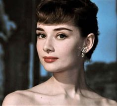 I think Audrey looks so lovely and beautiful in this pic