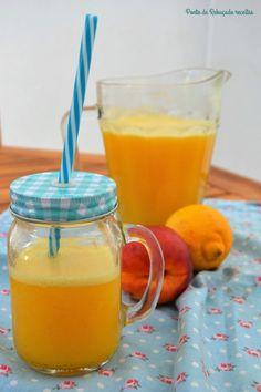 Sumo de nectarina e limão - http://gostinhos.com/sumo-de-nectarina-e-limao/