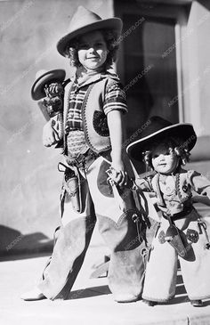 photo six shootin cowgirl Shirley Temple and look-a-like doll 173-08