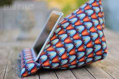 Der Rabe im Schlamm: Ein Tablet-Kissen für´s iPad