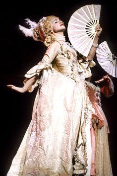 Channeling Marie Antoinette while performing Vogue at the 1990 MTV Awards. One of the best performances ever to grace MTV and the costumes were exquisite. Madonna 90s, Madonna Vogue, Madonna Outfits, Madonna Pictures, Rococo Fashion, Stage Outfits, Material Girls, Marie Antoinette, Pop Culture
