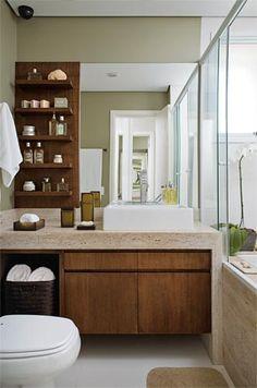 Prateleiras ao lado do espelho/cor/madeira/marmore