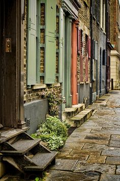 Calle Fournier Street yendo a Brick Lane, Spitalfields, Londres. East End London, Old London, Monuments, Beautiful London, Beaux Villages, London Places, Brick Lane, England And Scotland, London Life