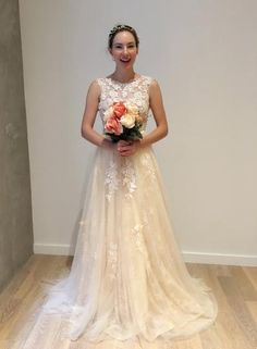 Long A-lien Lace Tulle V-back Scoop Neckline Elegant Wedding Dresses, WD0013 The wedding dresses are fully lined, 4 bones in the bodice, chest pad in the bust, lace up back or zipper back are all avai