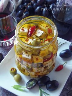Az otthon ízei: Pácolt feta Antipasto, Cheese Recipes, Vegan Recipes, Feta, Gourmet Gifts, Canning Recipes, No Bake Cake, Healthy Life, Clean Eating