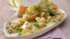 Hundertprozentig vegetarisch und dabei tierisch lecker: Indisches Gemüse-Curry mit Ananas | http://eatsmarter.de/rezepte/indisches-gemuese-curry