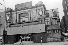 Don Picture Palace: Sheffield's Last Historic City Centre Cinema. The building was originally symmetrical but shortsighted post-war alterations saw the removal of the curved lower left corner to accomodate an uninspired extension with rooftop parking. Cinema Theatre, Northern England, Nice Photos, Theatres, Sheffield, Rooftop, Yorkshire, Palace, Centre