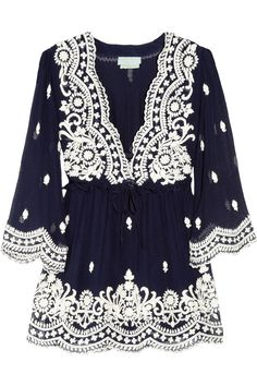 Navy with white embroidery, would look so good with white or denim capri's!