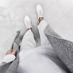 minimal fashion for her Minimal Fashion Inspo Minimal Chic, Minimal Fashion, Minimal Classic, French Classic, Classic White, Looks Style, Style Me, Grey Style, Chic Minimalista
