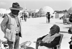 Alec Guinness chilling on Tatooine