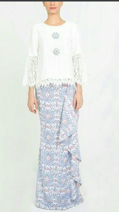 Muslim Fashion, Asian Fashion, Hijab Fashion, Fashion Dresses, Dress Skirt, Lace Dress, Dress Pesta, Fifties Fashion, Fashion Corner