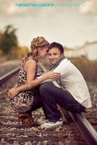 Train tracks convey time - there are some really good couple poses in here ^^ Couple Photography, Engagement Photography, Photography Poses, Wedding Photography, Outdoor Photography, Engagement Couple, Engagement Pictures, Engagement Session, Photos Amoureux