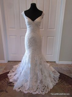 Description Sweetheart by Justin Alexander Bridal Gown Style 6096 Simple beaded and embroidered cascading lace bridal gown with a sweetheart neckline. The back of the dress is finished with covered bu