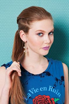 To look edgy-cool at your BFFs party, dab pomade onto your fingers for grip and cornrow a two-inch section of hair on one side. Pull it and the rest of your hair into a pony. New Braided Hairstyles, Fishtail Braid Hairstyles, Spring Hairstyles, Teen Hairstyles, American Hairstyles, Hairstyles 2018, Latest Hairstyles, Haircuts, Hair Game