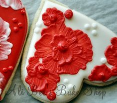 how to brush flowers onto cookies