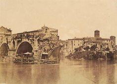 O Ponte Rotto (Pons Aemilius), é a ponte de pedra máis antiga de Roma, datada no ano 142 a.C., aínda que se pode considerar aínda máis antiga xa que, antes da súa construcción, no seu lugar había unha ponte de madeira. A Ponte Rotto foi instalada con seis arcos de pedra, aínda que máis tarde, Augusto restaurouna completamente cun núcleo de formigón. Tras varias reparacións, a gran enchente de 1598 levou a metade da ponte, a cal non volveu ser reconstruida.