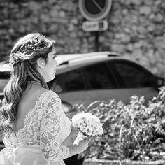 Tous nos vœux de bonheur Marina !Merci d'avoir partagé ces jolies photos avec nous 💕-Robe @marielaportecreatrice 📷N&B : Philippe Nieus📷 au Lux Hôtel - Maldives @naalio ........#realbride #Maldives #backtoglam #glamgirl #soutiengorge #ledosestlenouveaudecollete #backless #weddingdress #mariee #robedemariee #Temoignage #beautifulback #glamour #dosnu #glamendosnu #invisible #bra #invisiblebra #merci #thanks #wedding #lingerie #fashion #robedosnu #backlessbra #bridalgown #happybride… Happy Bride, Le Jolie, Lace Wedding, Wedding Dresses, Marie, Glamour, Lingerie, Instagram, Fashion