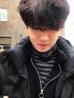 Find images and videos about kpop, exo and sehun on We Heart It - the app to get lost in what you love. Jung Jin Woo, Sehun And Luhan, Exo Kai, Park Chanyeol, Sehun Cute, Exo Ot12, Chanbaek, Kim Minseok, Exo Members