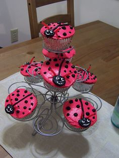 Love Bug Cupcakes for Valentine's Day
