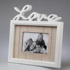 """Biała ramka na zdjęcia z napiem """"LOVE"""" na zdjęcie 10x15 cm"""