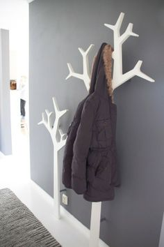 tree coat hanger love this, what a great idea