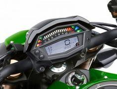 The 2014 Kawasaki Z1000′s new instrument panel.