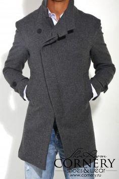 Приталенные молодежные пальто мужские