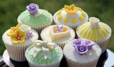 Cute, delicious cupcake(s) So beautiful AND delicious! Please Follow Me!   I follow my followers!