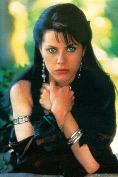 Fairuza Balk - inspiration for Nat with the startling citrine/lime eyes and hair