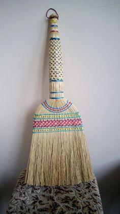 Brooms And Brushes, Broom Corn, Whisk Broom, Mops And Brooms, Africa Fashion, Wabi Sabi, Selling On Ebay, Basket Weaving, Boho