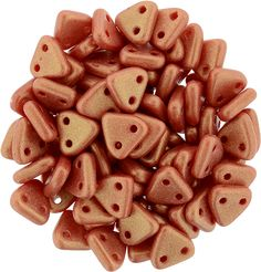 371-06-MSG9320 CzechMates Triangle 6mm : Sueded Gold Opaque Red