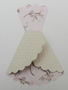 Paper Dress from double-sided paper Origami Vestidos, Origami Dress, Dress Card, Card Making Techniques, Card Tutorials, Kirigami, Creative Cards, Scrapbook Cards, Homemade Cards