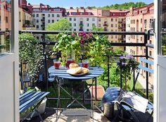 gemütlicher kleiner Balkon gestalten Metall Möbel - S.