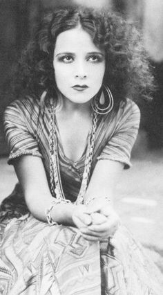 Dolores del Río (1904 – 1983) Mexican film actress from the Silent Era, Golden Age of Hollywood & Mexican films vintage