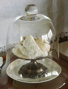 Vintage crochet thread in display ideas Glass Domes, Glass Jars, Mason Jars, Jeanne D'arc Living, The Bell Jar, Bell Jars, Cloche Decor, Deco Floral, Linens And Lace