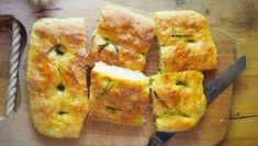 Fast and easy bread even at the summer buffet. No Salt Recipes, Cooking Recipes, Buffet, Easy Bread, Lunches And Dinners, Quiche, French Toast, Bakery, Food And Drink