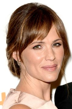 Jennifer Garner's loose French twist