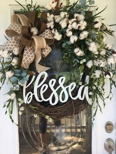 BEST SELLER Farmhouse wreath,farmhouse cotton wreath, farmhouse wreath for front door,farmhouse wreath with burlap bow , farmhouse decor - Wreath Ideen Home Crafts, Diy Home Decor, Cotton Wreath, Porche, Fall Decor, Holiday Decor, Fall Door Decorations, Front Door Decor, Front Porch