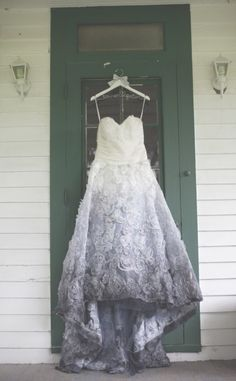 Ombre wedding dress: http://www.stylemepretty.com/missouri-weddings/st-louis/2014/04/17/diy-farm-wedding/ | Photography: Moondance Photography - http://www.moondancephotography.org/