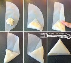 Folding samosas on triangles (French instructions) Cooking For A Group, New Cooking, Cooking Tips, Cooking Recipes, Indian Snacks, Indian Food Recipes, Asian Recipes, I Love Food, Good Food