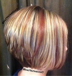 33 Ideas For Hair Color Highlights And Lowlights Stacked Bobs Blonde Hair Red Lowlights, Red To Blonde, Brown Blonde, Brown Hair, Dark Brown, Bob Hair Color, Hair Color Highlights, Chunky Highlights, Diagonal Forward Haircut