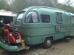 Camper vintage by federica.piersimoni, via Flickr